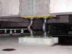 台座が50cm四方の鉛ダンパー