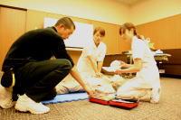 病院職員へのAED講習